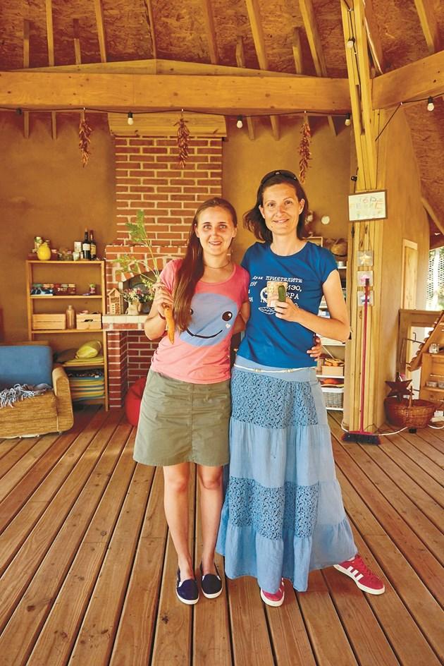 Радина Иванова във ферма Bio-tiful – с . Росен, със  Силвия  Узунова
