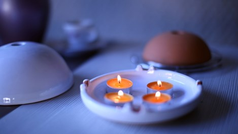 Може ли стая да се отоплява с 4 свещи? (видео)