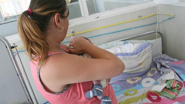 Хирурзи спасиха бебе на 27 дни, чакано от родителите 4 години
