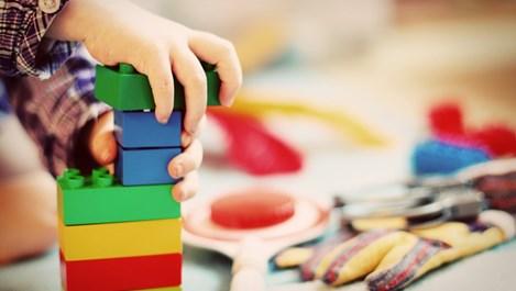 Как да научим детето да разтребва след себе си