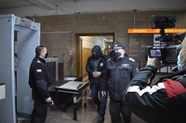 Ето ги Мурат и Светослав, обвинени за трафик на рекордните 400 кила хероин през Варна