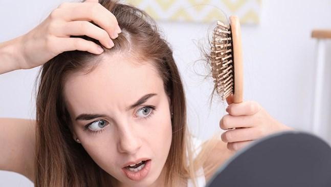Кога ще спре да капе косата ми след раждане?