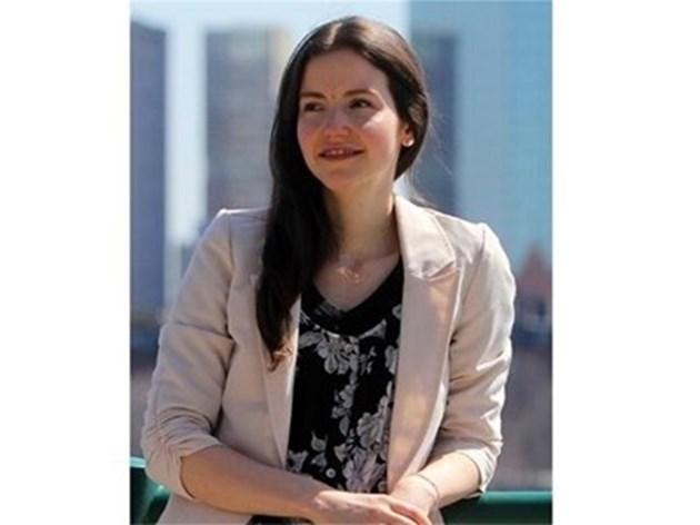 Икономистът Стефани Станчева ще съветва Макрон какво да се прави след кризата
