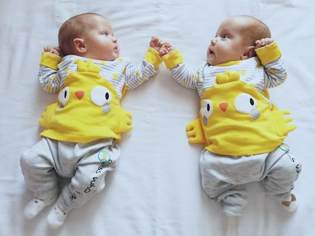 Девет двойки близнаци са родени в Несебър през 2020 г.