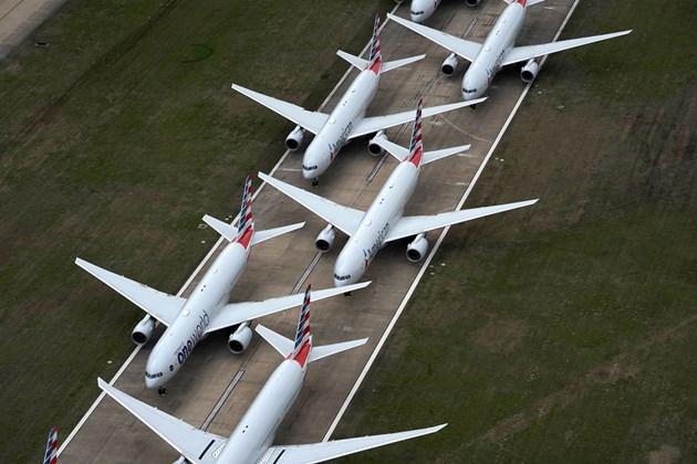 Три варианта за пасажерите с отменени полети заради коронавируса