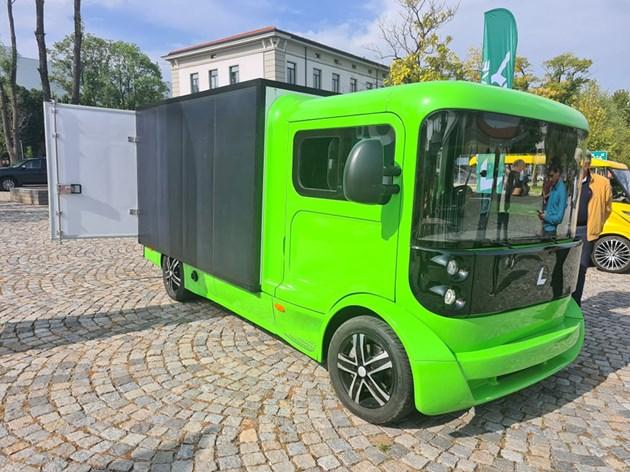 Български електробуси вървят с фотоволтаици