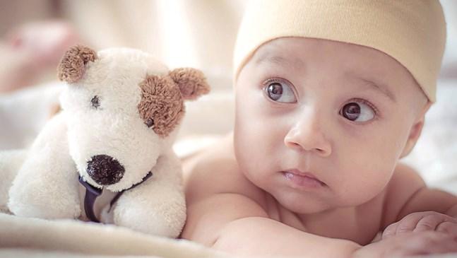 7 имена, с които е забранено родителите по света да кръщават децата си