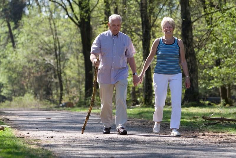 След 60 години заменете бягането с дълги разходки.