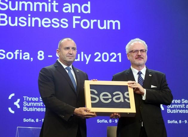 """Проекти за над 180 млрд. евро кандидатстват за """"Три морета"""", засега парите са 1 млрд. евро"""