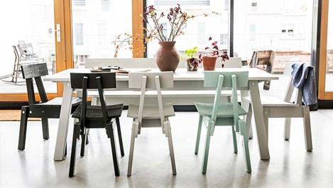"""Нови мебели на ИКЕА в стил """"направи си сам"""" се обявяват срещу разхищението"""