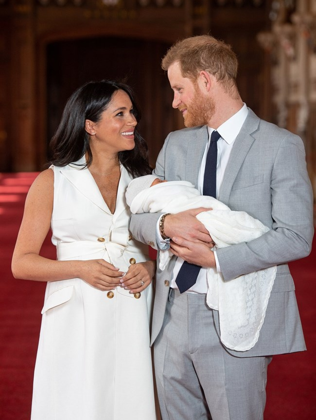 Меган Маркъл и принц Хари със сина си Арчи  СНИМКА: Ройтерс