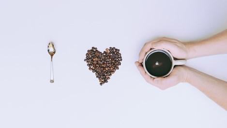 Маски за лице с кафе за по-стегната кожа