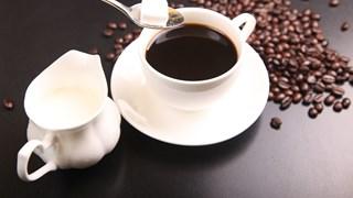 Храни и напитки, по-ободряващи от кафето