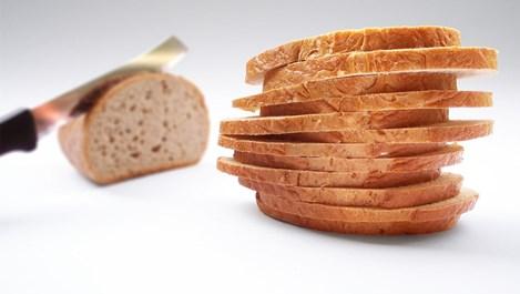 Маската от хляб върши чудеса за косата