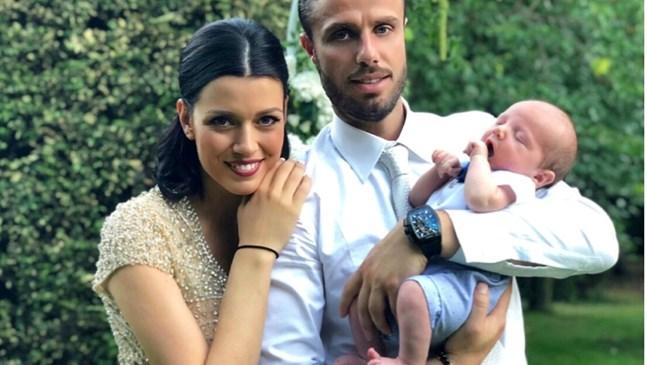"""Синът на Ралица Паскалева се ражда под грижите на """"истинската"""" д-р Стилянова"""
