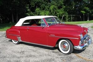 През 1952-а Байдън си купува кабриолет Plymouth.