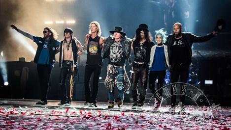 Guns N' Roses тръгват на турне след две десетилетия раздяла