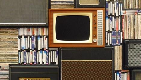 Имате купища VHS касети? Спокойно, има живот за тях