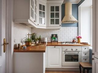 Бяло и дърво - идеална комбинация за кухнята (галерия)