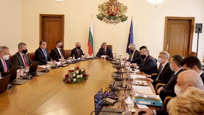 В четвъртък служебният премиер Стефан Янев събра министрите си на първо заседание.  СНИМКА: ЙОРДАН СИМЕОНОВ