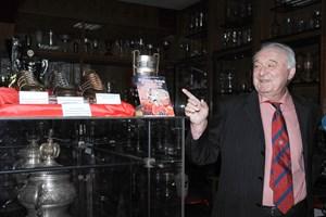 """Носителят на """"Златната обувка"""" Петър Жеков е дарил много от най-ценните си индивидуални награди на музея на ЦСКА."""