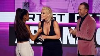 Ариана Гранде - големият победител на наградите АМАs (галерия и видео)