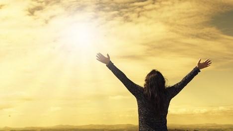 Преписването на молитви защитава от негативното