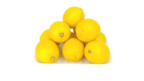 Начини, по които лимоните помагат на красотата