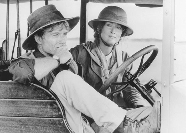"""Редфорд снима с някои от най-големите актриси в Холивуд като Мерил Стрийп във филма """"Далеч от Африка""""."""