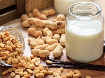 Мляко на растителна основа e изборът за почти 25% от британците сега