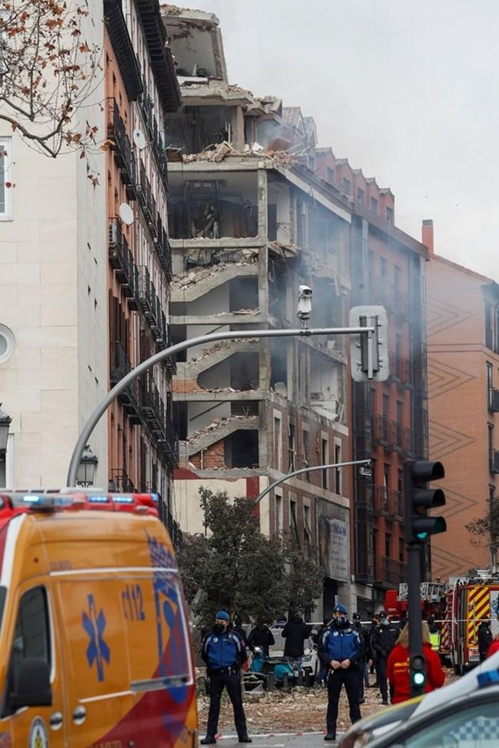 Мощен взрив избухна в сграда в центъра на Мадрид СНИМКА: Ройтерс