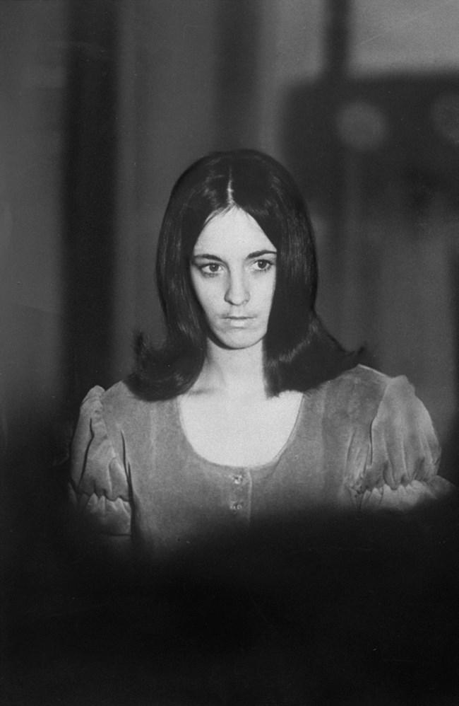 """Сюзан Аткинс - """"най-страшната"""", без милост убива Шарън Тейт, омъжва се 2 пъти в затвора"""