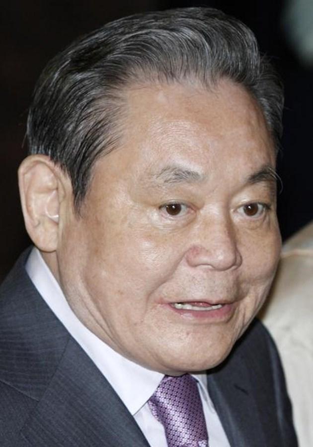 Почина президентътна южнокорейската компания Samsung