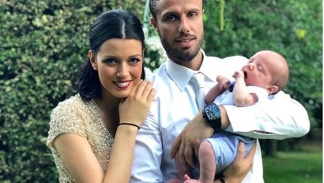 Ралица Паскалева: Теодор спеше на диванче в родилното