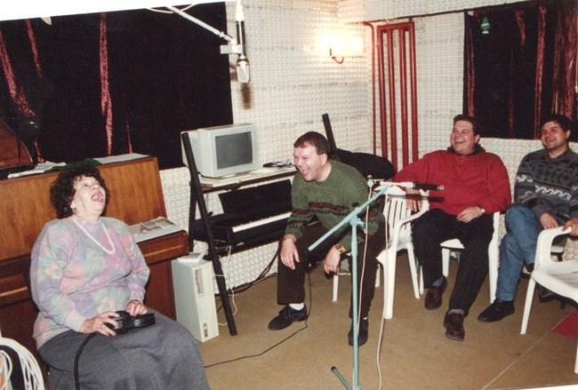 Стоянка  Мутафова заедно с Мартинов, докато записват албума