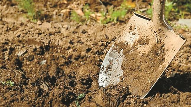 Почвата се обработва до падането на снега