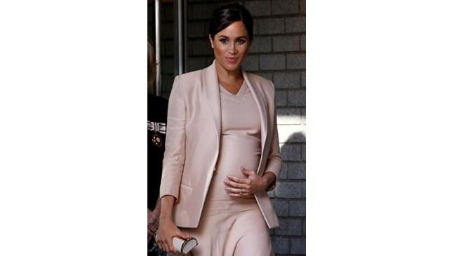 Меган Маркъл започна да ражда първото си дете