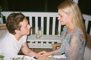 Бруклин Бекъм показа как е предложил брак на Никол Пелц