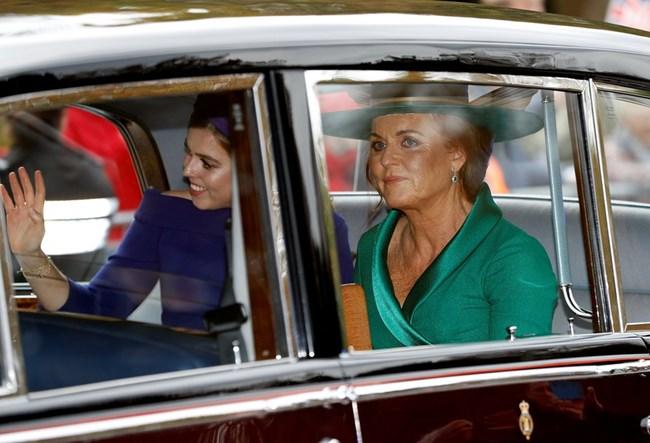 Принцеса Беатрис и херцогинята на Йорк Сара Фъргюсън