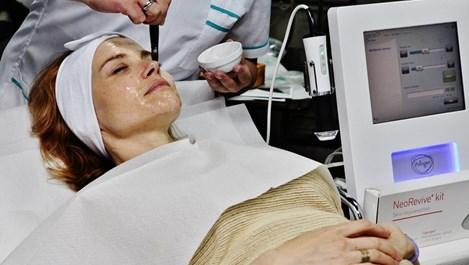 Натурални съставки подмладяват кожата в революционна процедура