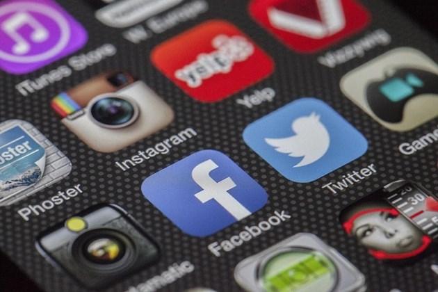 Фейсбук, Епъл и Амазон с по-големи приходи от очакваните през пандемията
