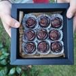 Бонбони от рози правят ученички
