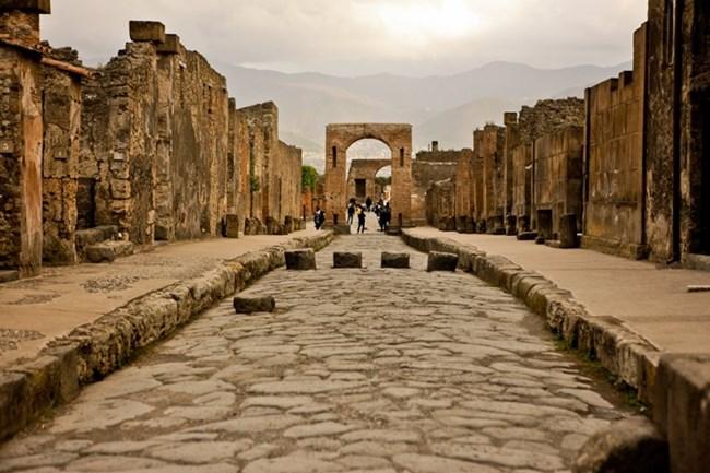 Помпей е голям античен римски град,Днес е част от от Списъка на световното културно и природно наследство на ЮНЕСКО. Снимка:pompeitour