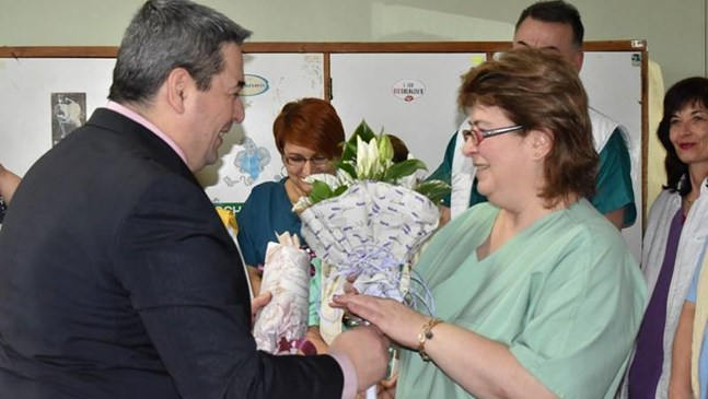 Кметът на Горна Оряховица поздрави лекари и акушерки за Деня на родилната помощ