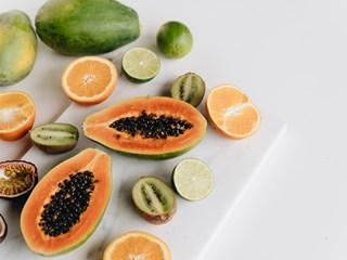 Яжте тези пет плода за здраво дебело черво