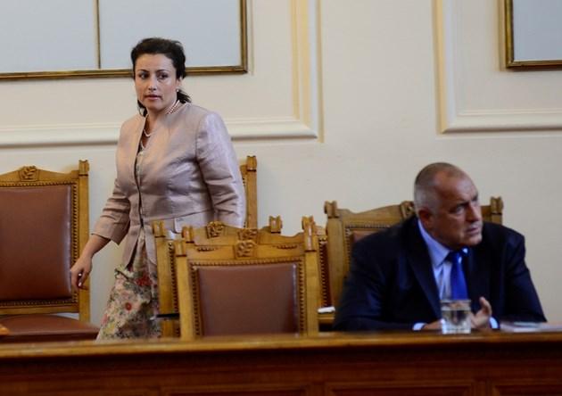 Жена изяде главата на Порожанов, Борисов го смени с първата жена земеделски министър (Обзор)