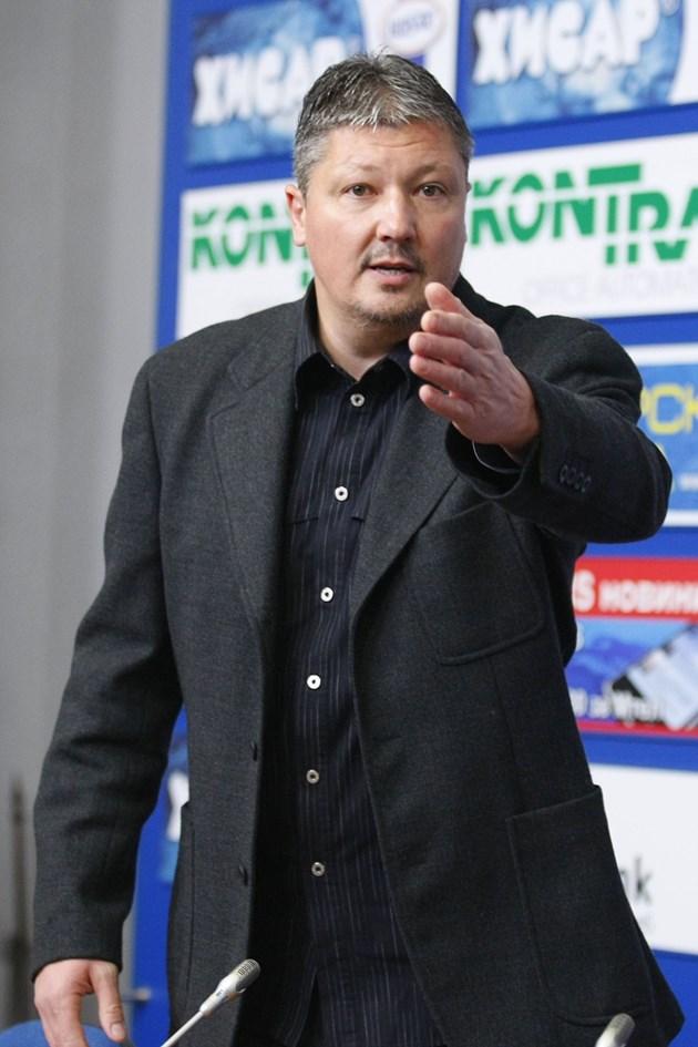 Любо Пенев избухна: БФС дава 200 лв. за глас на изборите
