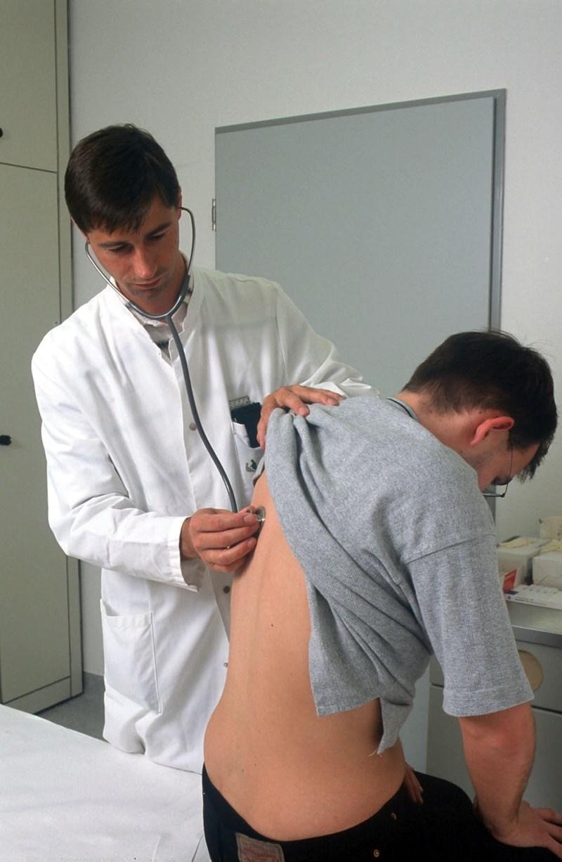 Лекарите са изписали 678 хил. болнични през първите три месеца на годината.
