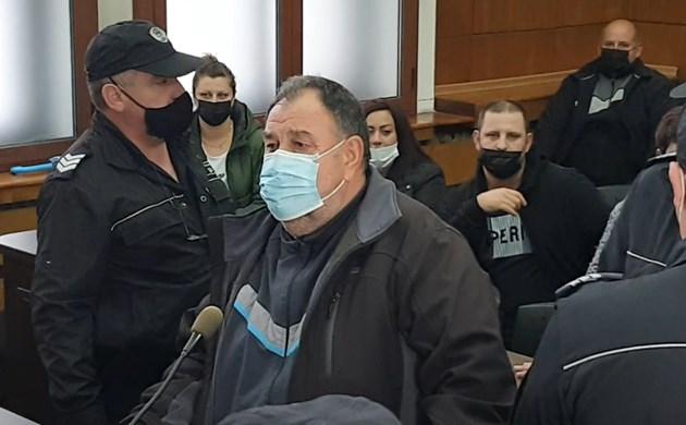 Тодоров се разплака, щом зърна подкрепата от своите съселяни пред съда