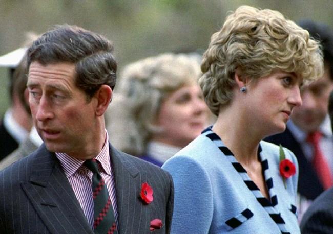 Принцесата и Чарлз гледат в различни посоки. СНИМКИ: РОЙТЕРС
